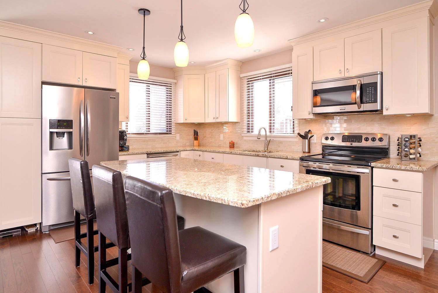 Common Mistakes Made While Choosing Kitchen Cabinets