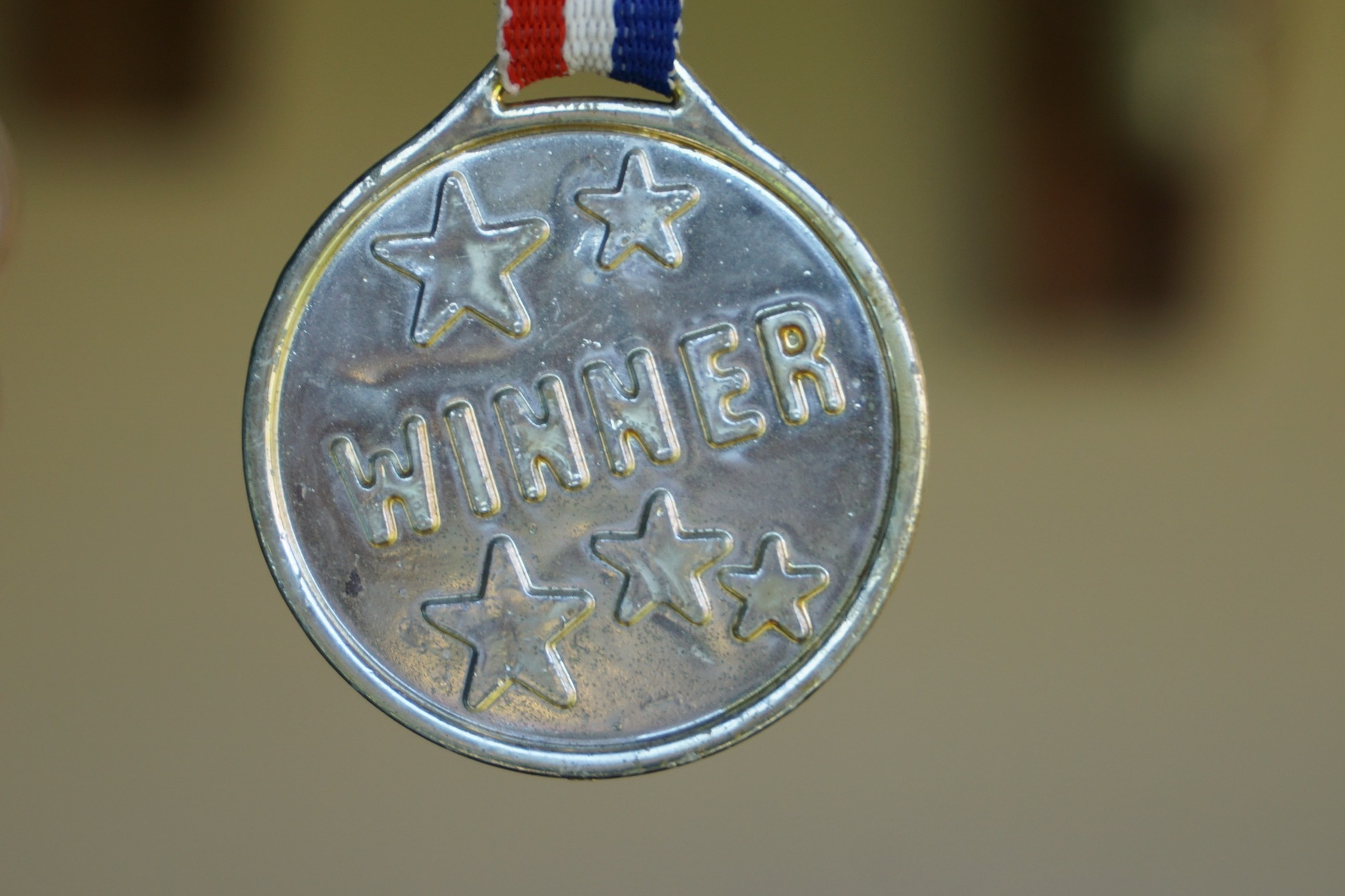 5 CLASSIFICATIONS OF AWARDS YOUR COMPANY SHOULD CONSIDER